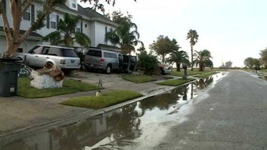 Venetian Isles residents in dark, drying out