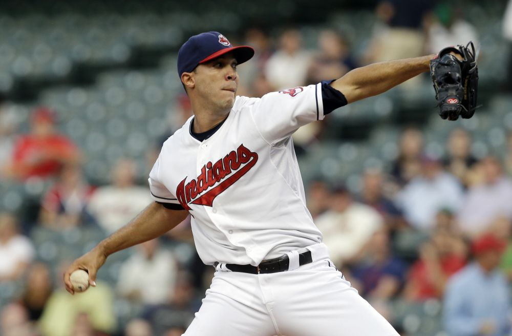 Indians make RHP Ubaldo Jimenez $14.1M offer