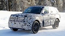 2022 Range Rover Sport caught in a winter wonderland