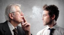 El'humo de segunda mano', una lacra social que se suma a la enfermedad de los fumadores