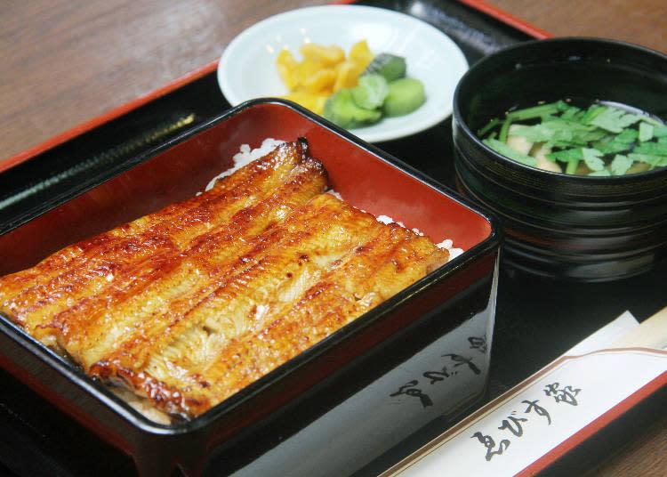 鰻魚飯2800日圓(附內臟清湯)