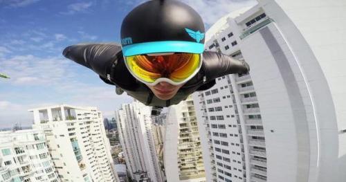 Wingsuit - Vidéo : un vol de wingsuit entre les immeubles