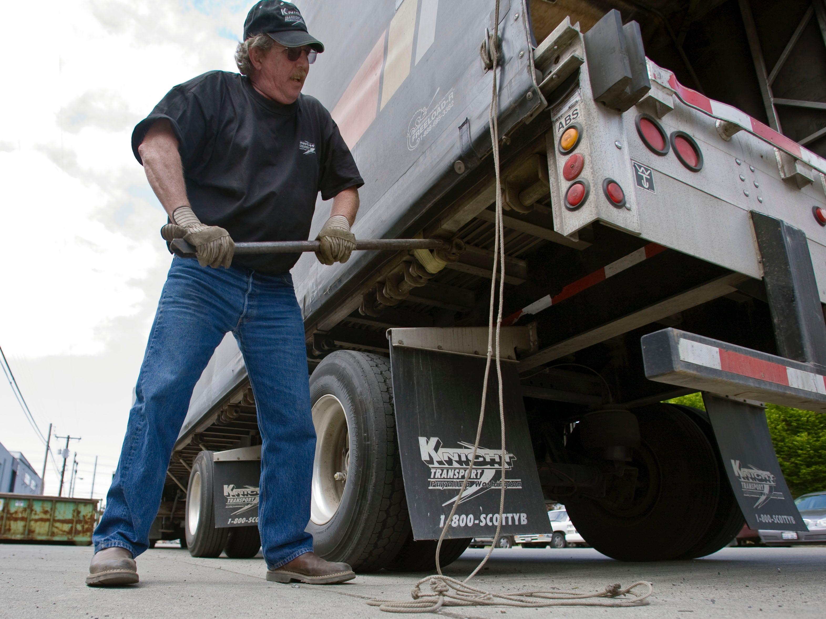 An American trucking giant is slated to declare bankruptcy — and it may leave more than 3,200 truck drivers stranded and jobless
