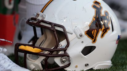 17-year-old football signee shot and killed in hotel