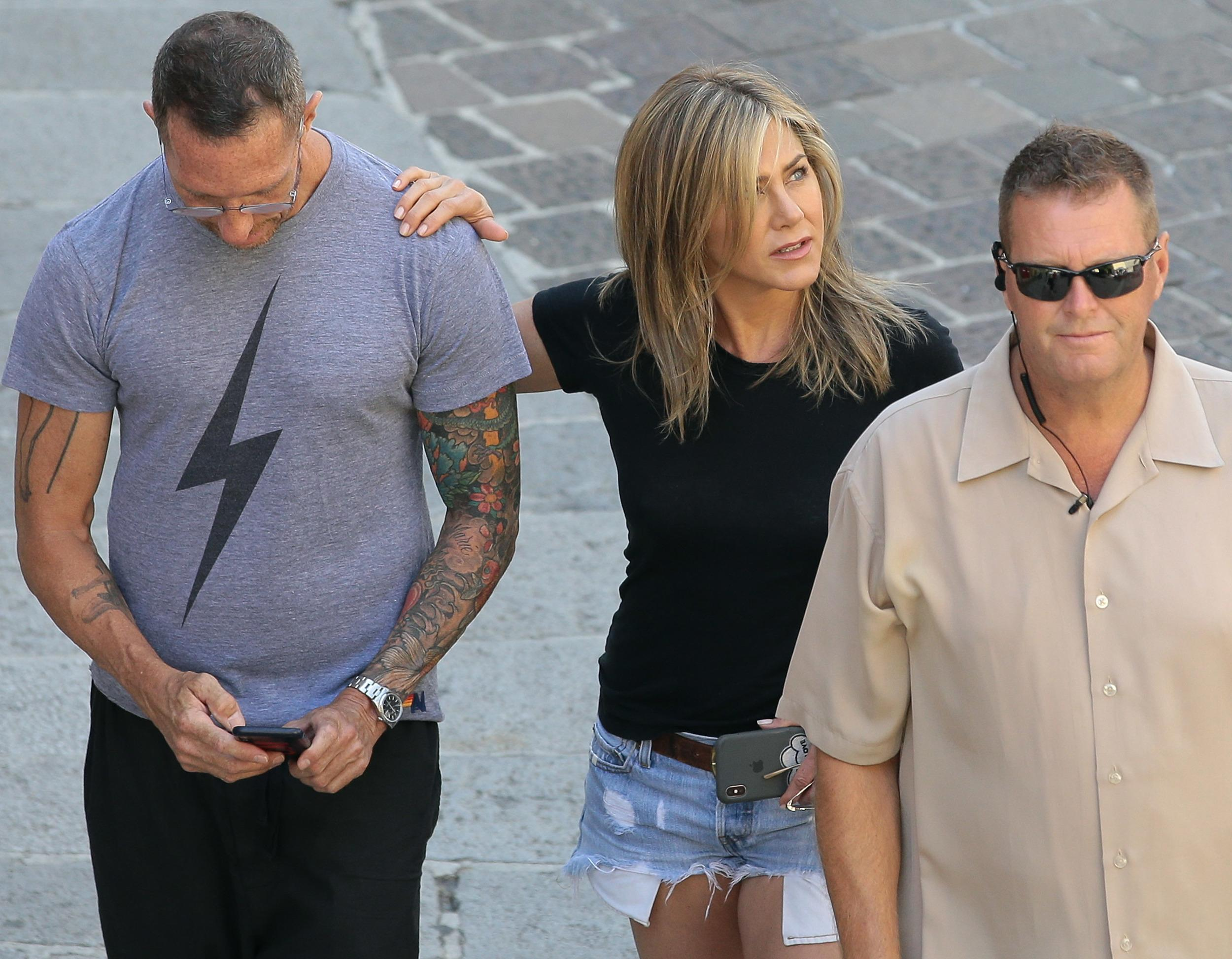 COMO, ITALY - JULY 30:  Jennifer Aniston is seen on set filming 'Murder Mystery' on July 30, 2018 in Como, Italy.  (Photo by Emilio Andreoli/GC Images)