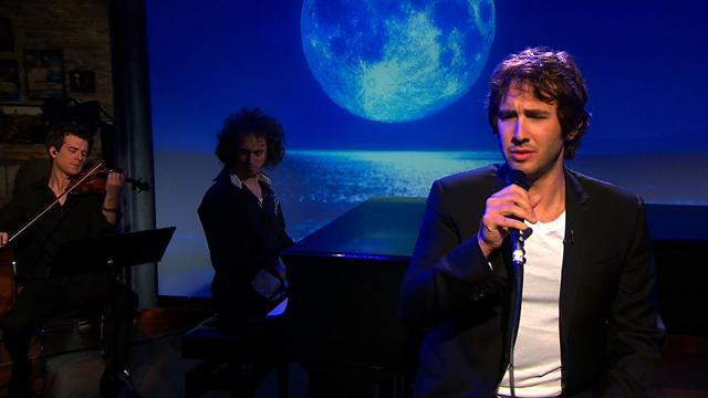Second Cup Cafe: Josh Groban sings