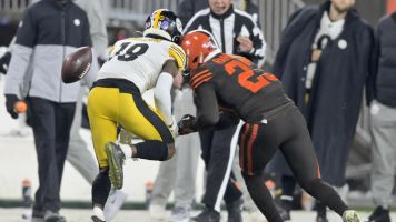 Browns DB ejected for ugly hit on Steelers