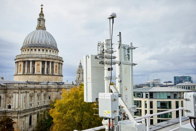 EE 5G mast near St. Paul's in London