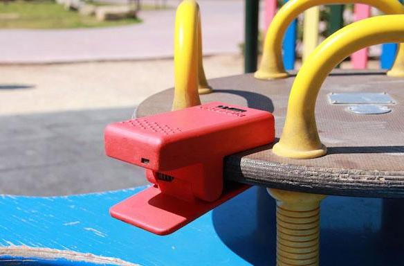 Hybrid Play clips turn playground toys into videogame controllers