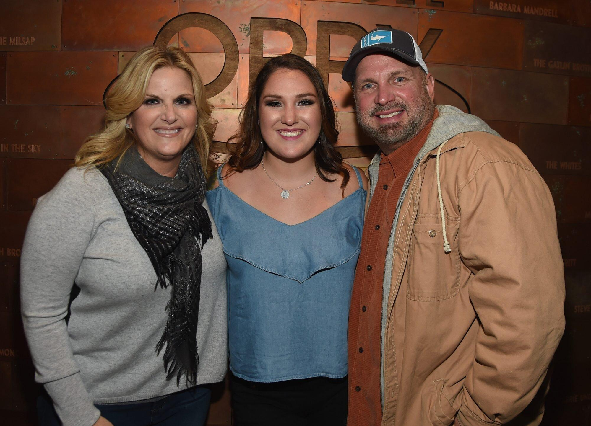 Garth Brooks' Youngest Daughter Allie Colleen Scores Top ...