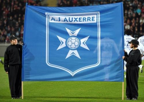 Ligue 2: Nîmes est proche du podium, Auxerre sort de la zone rouge(pour le moment)