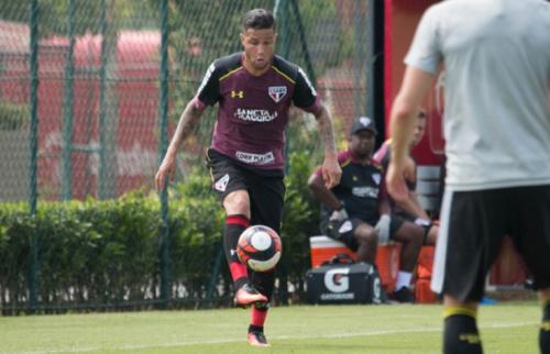 Bruno volta a treinar no São Paulo, mas não deve enfrentar o Cruzeiro