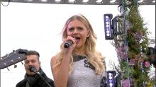 Kelsea Ballerini performs 'Roses' live on 'GMA'