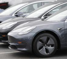 """""""This is the year Tesla comes undone"""": NYU Professor"""