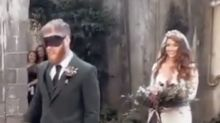 Unexpected guest shocks groom during wedding ceremony: 'What are you doing here?'