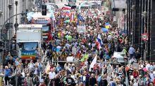 """Allemagne: tollé après que des """"anti-corona"""" ont tenté d'entrer dans le Parlement"""