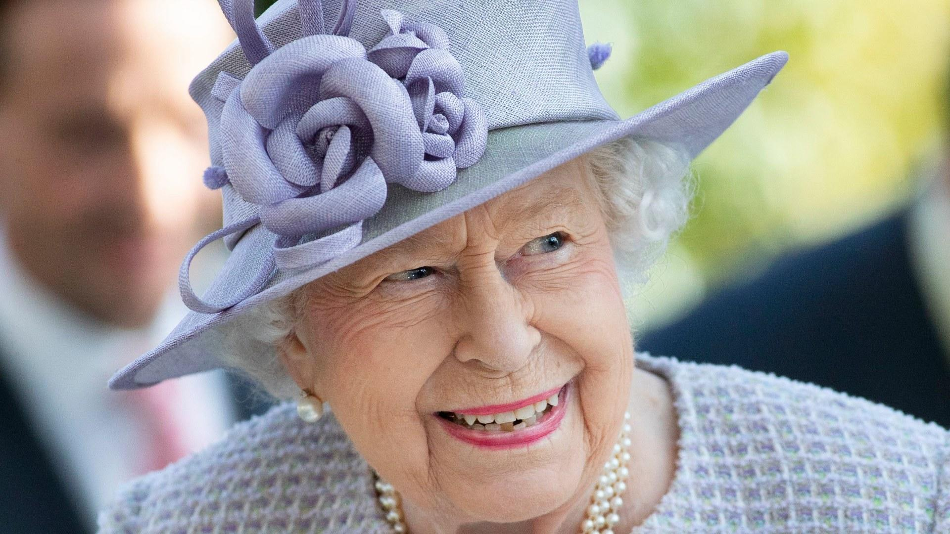 Queen Elizabeth II Turns 94! How Kate Middleton & Other Royals are Celebrating the Monarch - Yahoo Entertainment