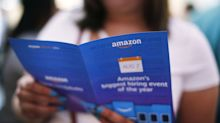 Amazon's Covid Hiring Boom Has Applicants Packed Into Job Fairs With No Special Precautions