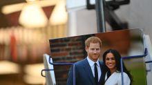 Meghan y Harry en su último mes como royals y se les complica todo