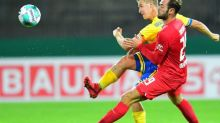 Foot - ALL - Coupe - Coupe d'Allemagne: Tousart et le Hertha s'inclinent, Mateta claque un triplé