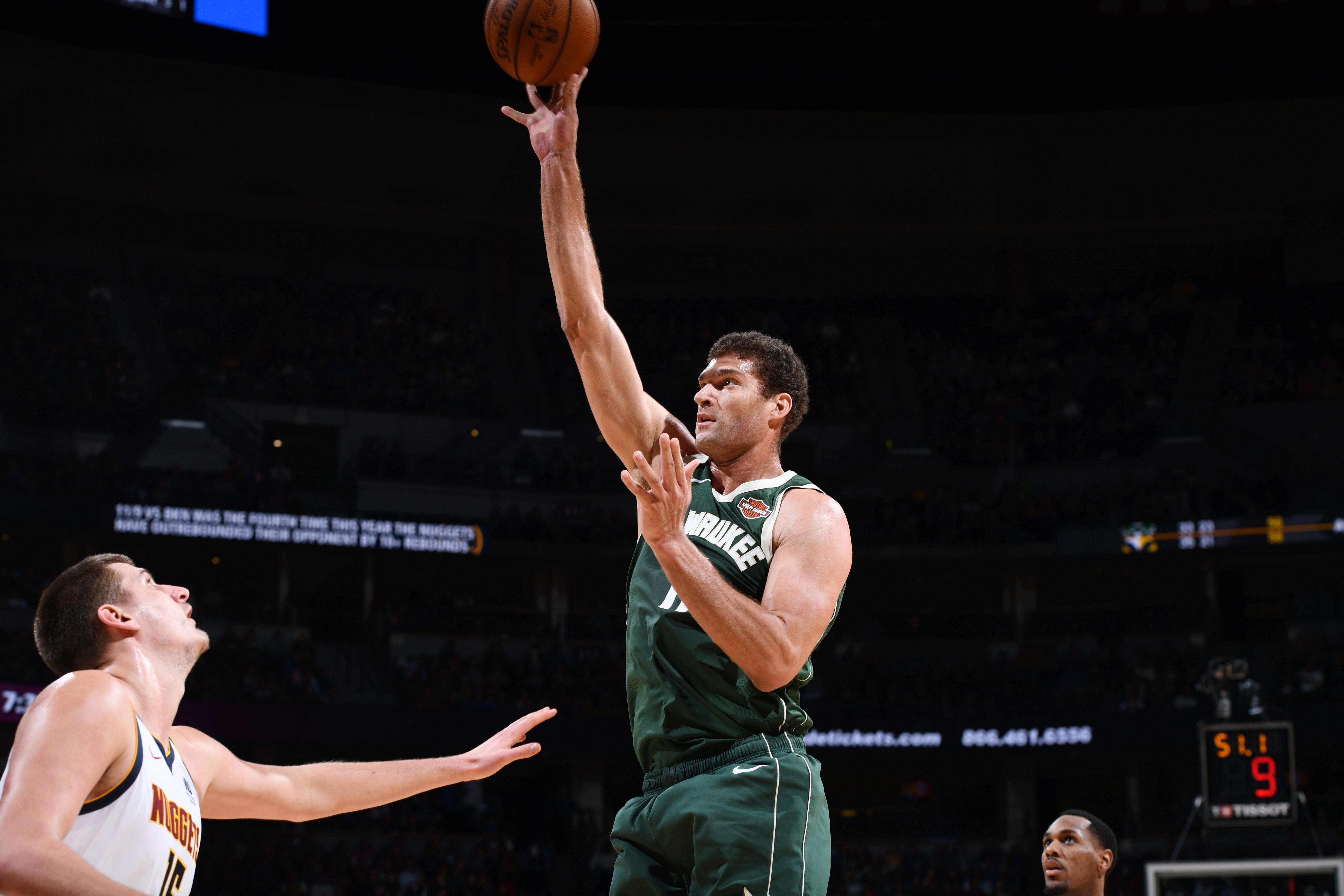 Bucks center Brook Lopez hit 8 3-pointers against Nuggets b8119bfc2