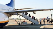Airline Stock Roundup: JBLU, UAL Q3 Earnings Beat, RYAAY in Focus