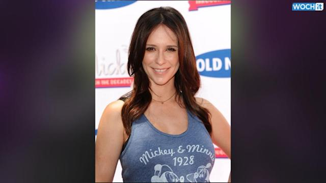 Jennifer Love Hewitt Is Making The Most Out Of Her Pregnancy