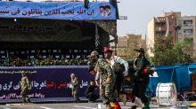 """Iran : Rohani promet une réponse """"terrible"""" après une attaque lors d'un défilé militaire"""