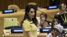 Crítican a la revista Time por comentario hueco sobre Amal Clooney en Naciones Unidas