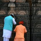 Do-it-yourself temple waits to move into Indian holy site