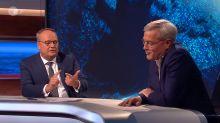 """Oliver Welke stichelt im Interview: """"Herr Röttgen, Sie stehen für das gewisse Nichts"""""""