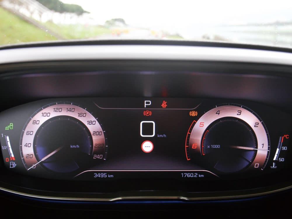 12.3吋全彩液晶數位儀表板,可自定義顯示資訊。