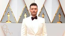 ¿Debe Ryan Seacrest animar el show pre-Oscar?