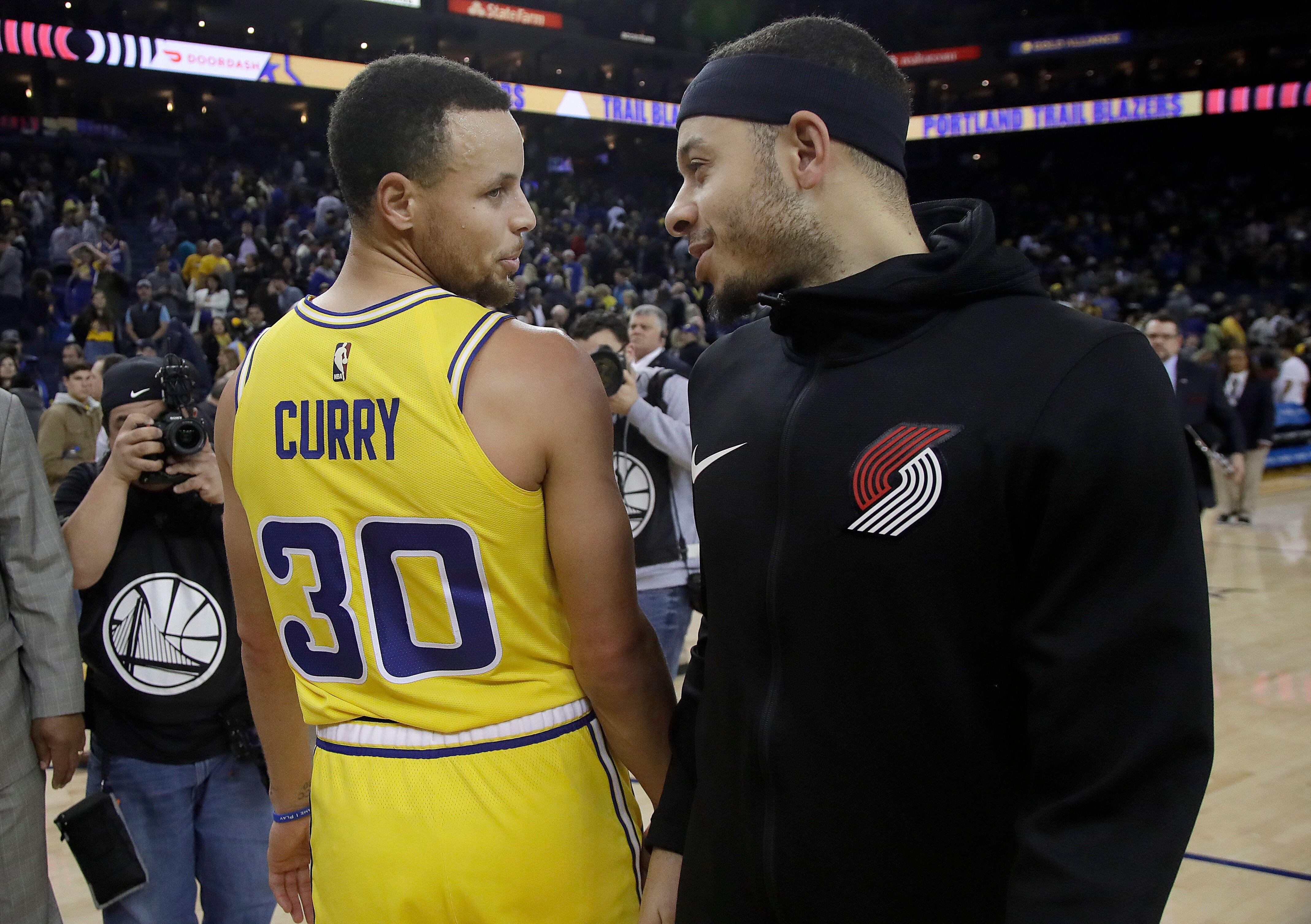 4ce8ea531160 Seth Curry tried to jinx Steph Curry in WCF Game 2