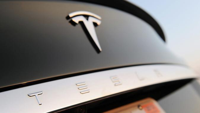 Tesla's next Autopilot update will rely more on radar