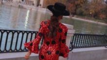 Paula Ordovás tiene el complemento perfecto para invitadas a una boda con lluvia (o sin ella)