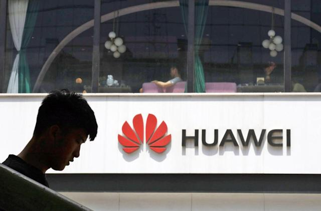 US claims Huawei can secretly access carrier backdoors