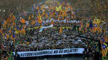 Cientos de miles protestan contra el juicio a independentistas catalanes