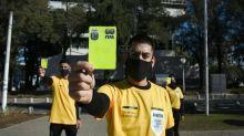 """Coronavirus en la Argentina. Tres de Febrero: """"árbitros"""" amonestan a los vecinos que no cumplen los protocolos sanitarios"""