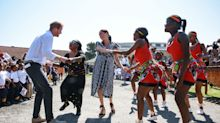 Príncipe Harry e Meghan chegam à África do Sul para primeira viagem após nascimento do filho