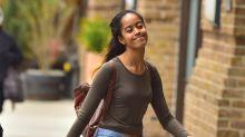 Duras críticas a un diario británico por exponer detalles de la vida privada de Malia Obama