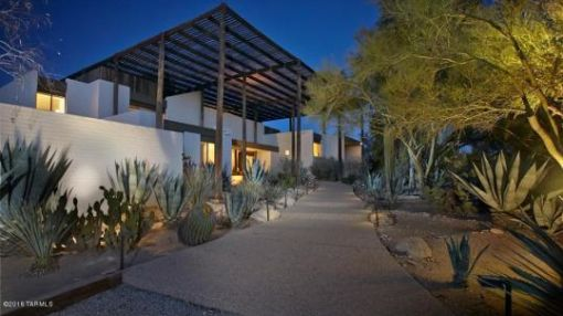 Famous 1970s House Called 'Big Hat in the Desert' Lists at $2.6M