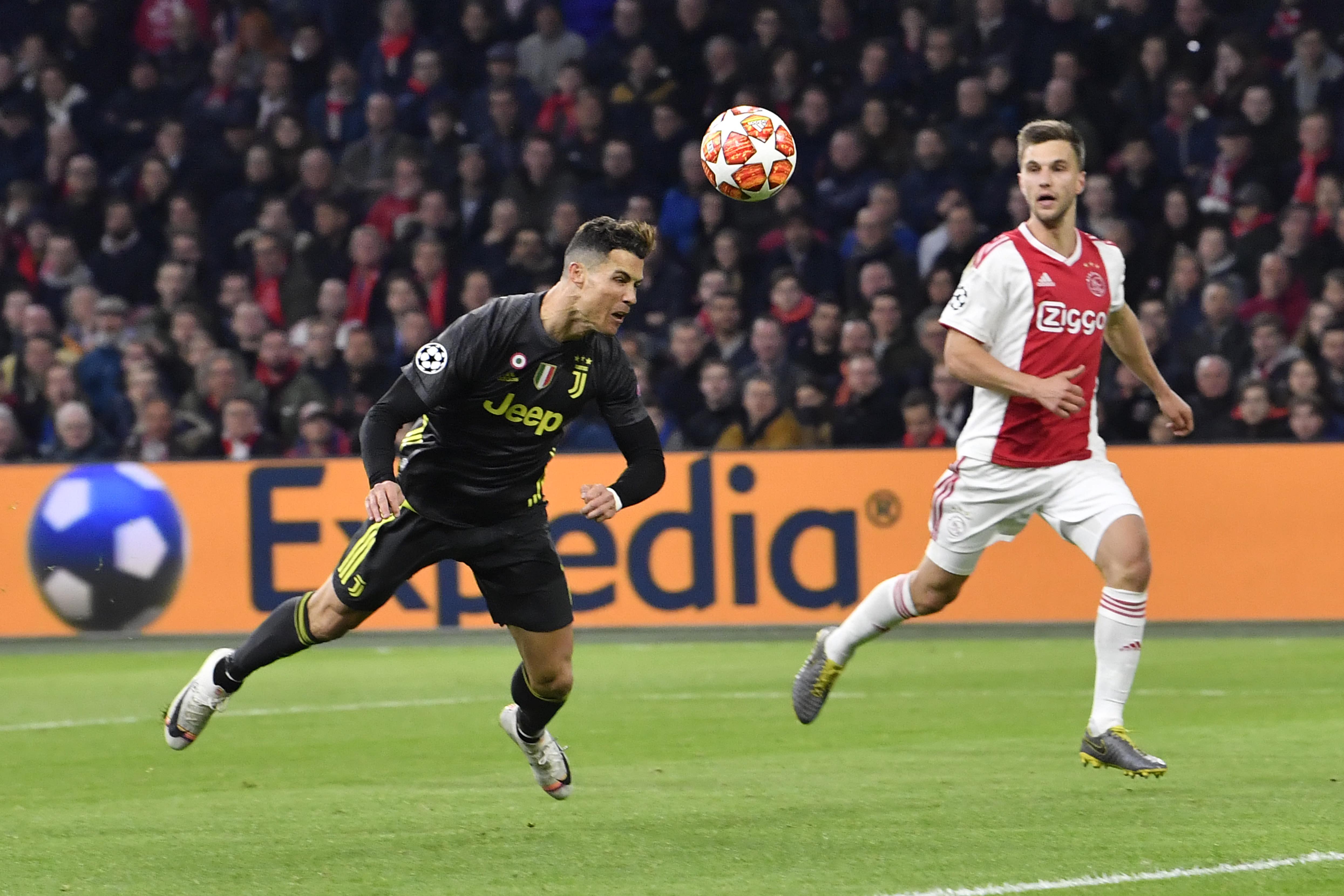 Ajax plays Ronaldo and Juventus tough in 1-1 draw