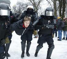 Russia arrests 350 protesters demanding Alexei Navalny's release