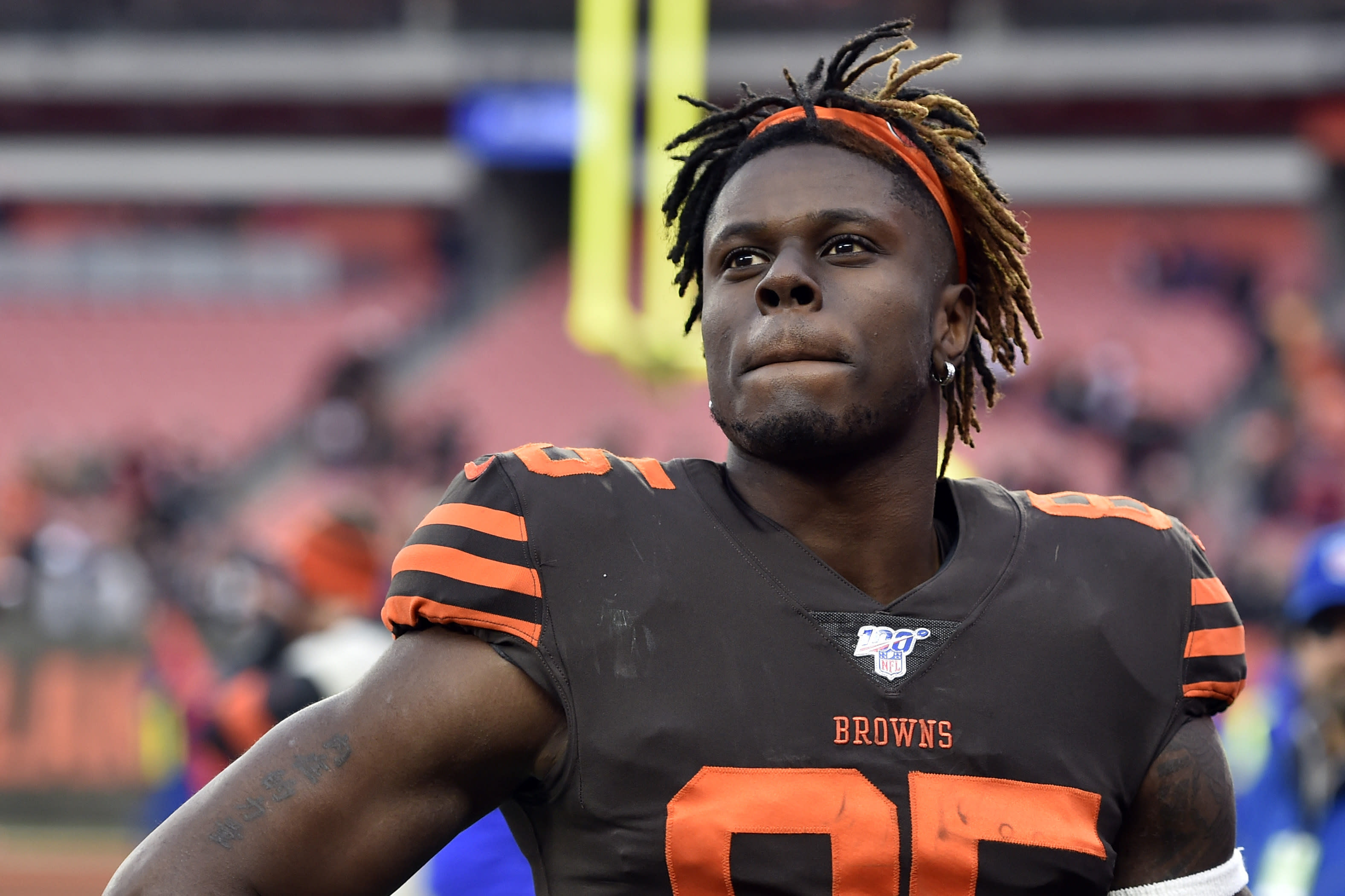 Browns-Njoku Football
