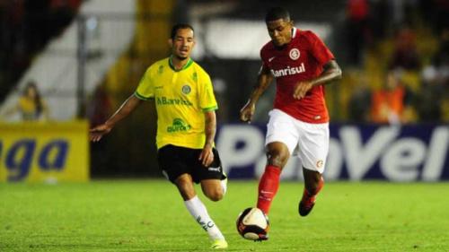 Erros de arbitragem impedem o Inter de estar em situação mais tranquila no Gaúcho