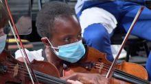A Besançon, l'orchestre Victor Hugo joue masqué pour l'ouverture du festival international de musique classique