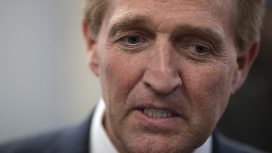 Flake to boycott nominees over Mueller protection