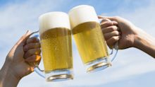 Ya puedes brindar a gusto: la cerveza sube de categoría y pasa debebida saludable a'alimento funcional'