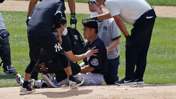 Tanaka back at stadium after scary hit to head